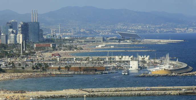 Vue des plages et du port de Barcelone, réaménagés à l'occasion des JO 1992.