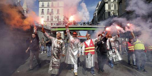 Des salariés d'ArcelorMittal manifestent à Marseille, le 12 septembre.