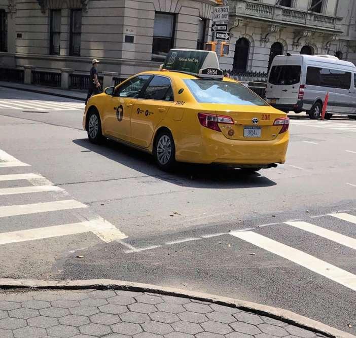 «Entre deux passages piétons, à New York…»