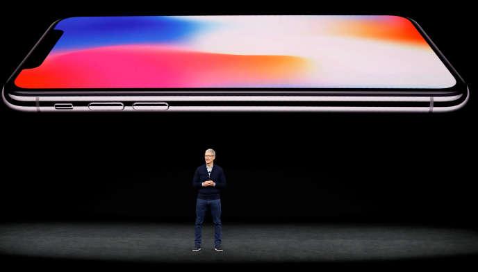 Tim Cook, le PDG d'Apple, lors de la présentation de l'iPhone X, le 12 septembre.