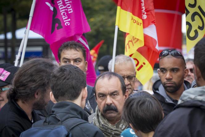 Philippe Martinez, secrétaire général de la CGT, pendant la marche contre la réforme du code du travail, à Paris, le 12 septembre.