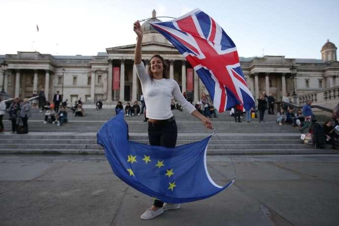Une manifestante anti-Brexit à Londres, le 13septembre 2017.