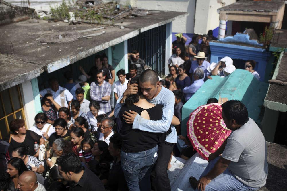 A Juchitan, les secours ont arrêté les recherches. Cette localité de 100 000 habitants a payéle plus lourd tribut du pays avec au moins 37 morts.