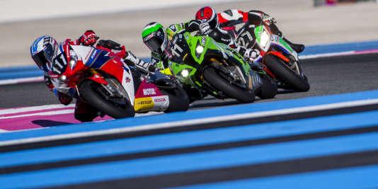Le championnat du monde d'Endurance moto débute au Castellet les 15 et 16 septembre pour les 33 équipes engagées, en nette progression par rapport aux 20 de la saison précédente.