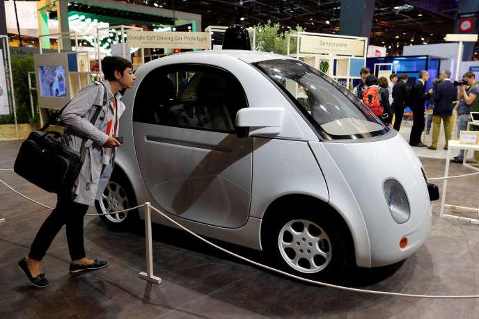La voiture autonome de Google au salon Viva Technology à Paris, en juin 2016.
