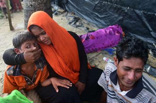 Des réfugiés Rohingya arrivés au Bangladesh.