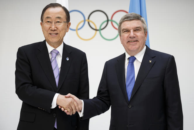 Thomas Bach (à droite), le président du Comité international olympique (CIO), et le nouveau président de la commission d'éthique du CIO, le Sud-Coréen Ban Ki-moon.