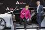 Angela Merkel avec le président d'Audi au Salon de Francfort le 14 septembre.