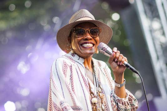 La chanteuse Dee Dee Bridgewater en concert au 24eCognac Blues Passion Festival, le 6 juillet 2017.