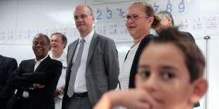 Jean-Michel Blanquer, à l'écoleMichel-Debré de Saint-Denis de la Réunion, le 18 août.