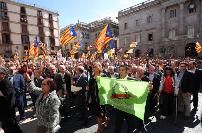 Manifestation, à Barcelone, le 16 septembre 2017, pour dénoncer «la persécution judiciaire» des éluscatalans soutenant le référendum sur l'indépendance.
