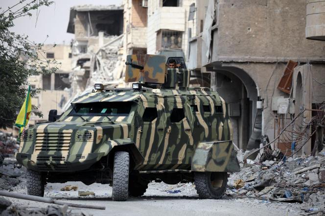 Un blindé des Forces démocratiques syriennes, à Rakka, le 16 septembre.
