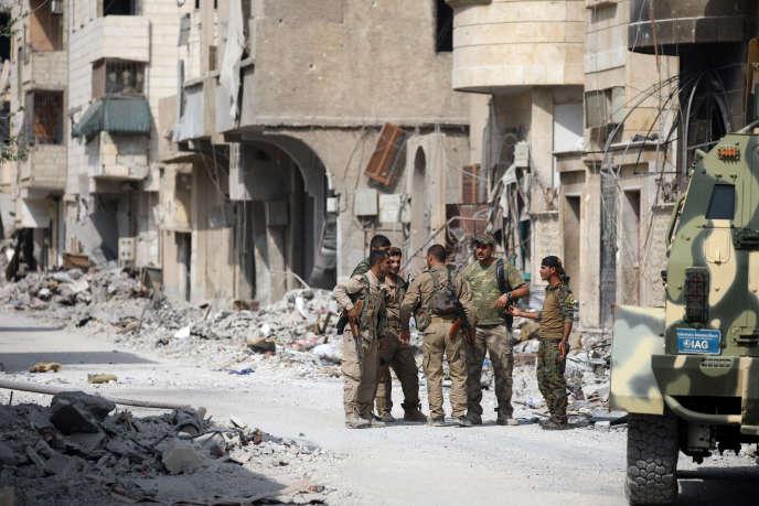 Des combattants des Forces démocratiques syriennes en septembre à Rakka.