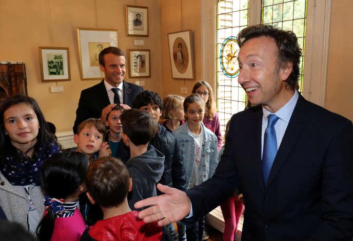 «Le tourisme patrimonial crée 21 milliards d'euros par an de richesse et génère directement ou indirectement quelque 500 000 emplois» (Photo : Stéphane Bern et Emmanuel Macron, au château de Monte-Cristo, à Marly-le-Roi, le 16 septembre).