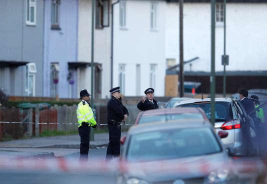 Sunbury-on-Thames, où la police britannique a mené une perquisition samedi, est située à une vingtaine de kilomètres au sud-ouest de la capitale britannique.