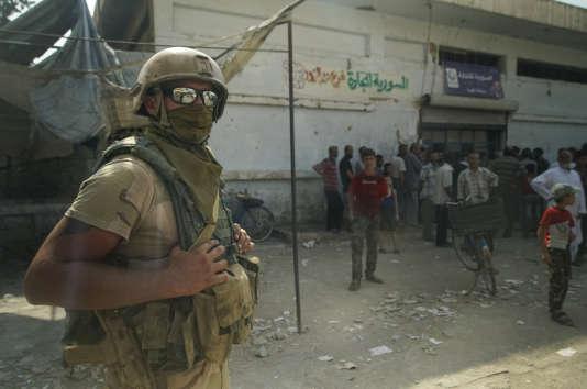 Un soldat russe dans la province de Deir Ezzor, vendredi 15 septembre.
