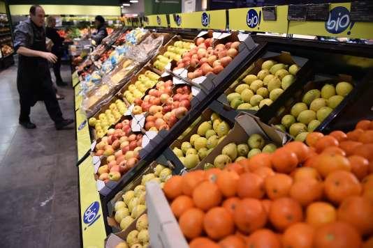Les ventes de produits bio ont encore progressé au premier semestre 2017, particulièrement celles des fruits et légumes.