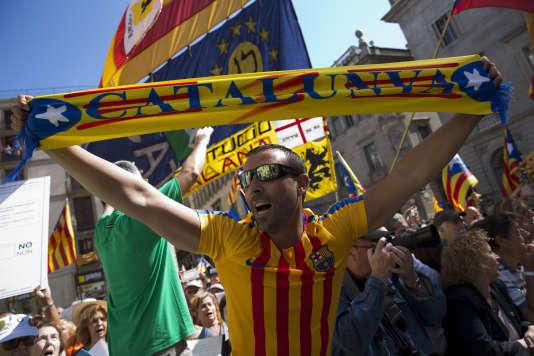 Les partisans du référendum d'autodétermination, le 16septembre à Barcelone.