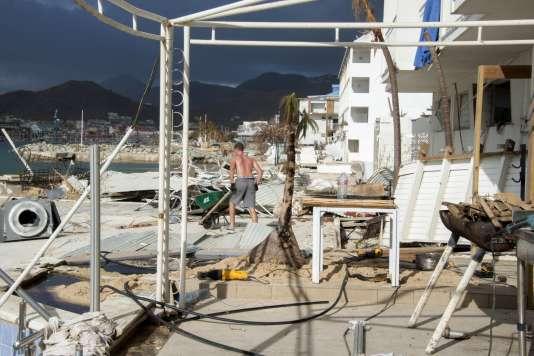 Dégâts à Sandy-Ground, dans la partie française de Saint-Martin, le 16 septembre 2017, après le passage de l'ouragan Irma.