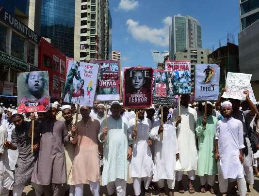 Manifestation à Dacca en soutien aux Rohinga à l'appel d'un groupe islamiste le 18 septembre.