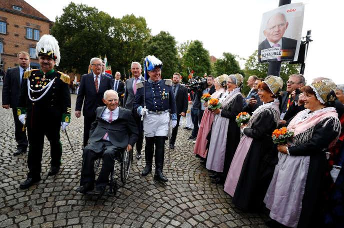 Wolfgang Schäuble, le ministre allemand des finances, etJean-Claude Juncker, le président de la Commission européenne, à Offenburg (Allemagne), le 18 septembre 2017.