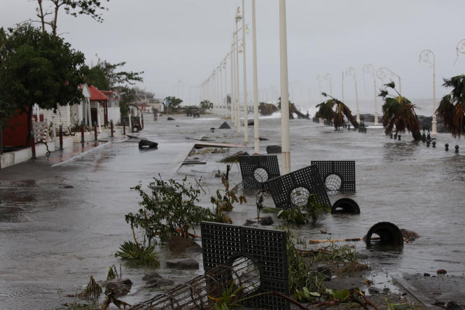 Sur le front de mer de Basse-Terre en Guadeloupe, le 19 septembre.