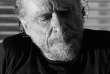 L'écrivain américain Charles Bukowski, à Los Angeles en 1986.