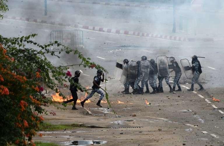 Le 18 septembre 2017, sur le campus de l'université Félix-Houphouët-Boigny, dans le quartier de Cocody, à Abidjan, pendant la manifestation étudiante contre les frais de scolarité « annexes » exigés par les chefs d'établissement.