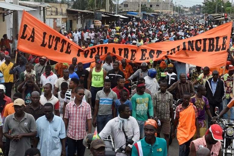 Manifestation à Lomé le 7 septembre 2017. Selon Amnesty International, plus de 100000 personnes sont descendues dans la rue pour réclamer le départ de Faure Gnassingbé, président depuis 2005 après avoir succédé à son père après trente-huit années au pouvoir.
