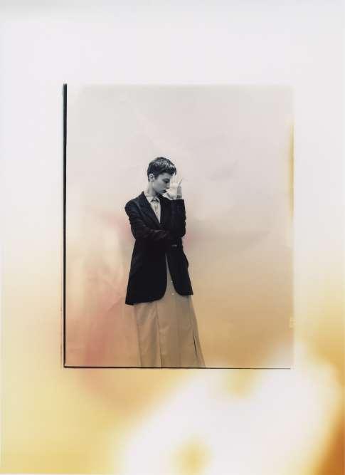 Veste en chenille, Paul Smith. Robe chemise en laine et mohair, Céline.