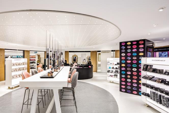 Le nouveau bar à make-up du Printemps Haussman, à Paris.
