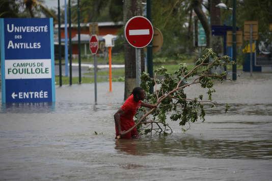 A Pointe-à-Pitre, en Guadeloupe, après le passage de Maria, le 19septembre.