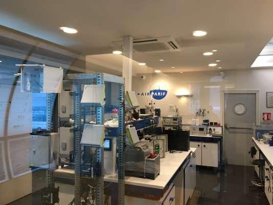 Dans le laboratoire d'Airparif, à Paris, mercredi 20 septembre.