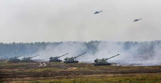 Des troupes russes et biélorusses lors del'exercice militaire annuel Zapad en Biélorussie, le 20 septembre 2017.
