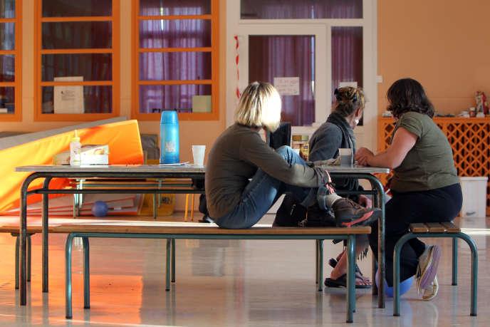 Des parents d'élèves occupent une école maternelle à Isigny-sur-mer, le 13 septembre 2011 afin d'obtenir un instituteur supplémentaire.