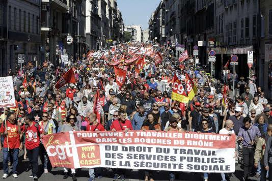 La manifestation à Marseille a réuni 4 500 personnes selon la police, 55 000 selon la CGT.