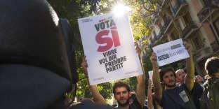 Journée de mobilisation à Barcelone contre les perquisitions avant le référendum du 1er octobre en Catalogne.