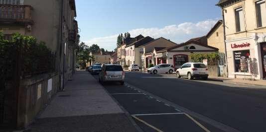 Des capteurs permettent de signaler les places libres ou en dépassement (Vic-en-Bigorre, Hautes-Pyrénnées)
