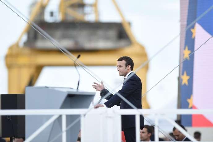 Le président de la République, Emmanuel Macron, prononce un discours aux chantiers navals de Saint-Nazaire (Loire-Atlantique), le 31 mai 2017.