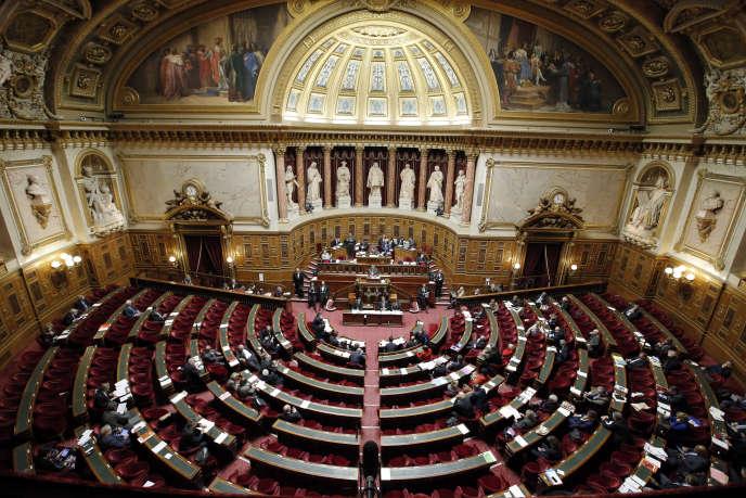 Le Sénat a voté, mardi 23 juillet, la réforme de la fonction publique.