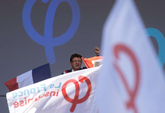 Jean-Luc Mélenchon, lors d'un discours, à la fin d'une manifestation contre le gouvernement, le 23 septembre 2017. REUTERS/Philippe Wojazer