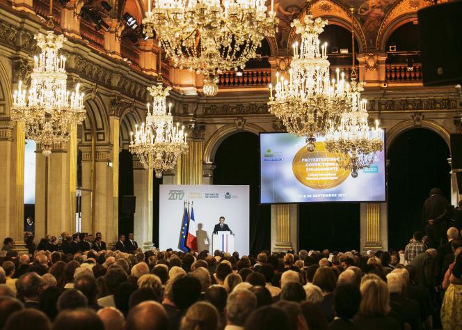 Le président Emmanuel Macron prononce un discours à l'occasion du demi-millénaire de la Réforme, à l'hôtel de ville de Paris, le 22 septembre.