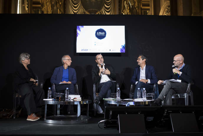 De gauche à droite: Dominique Méda, Pierre Musso, Laurent Berger, Serge Papin et Phllipe Escande à l'Opéra Garnier, à Paris, le 23 septembre 2017.