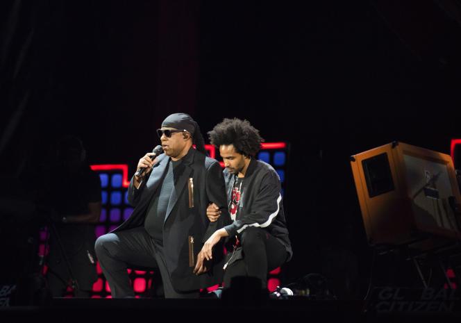 Stevie Wonder et son filsKwame Morris, le 23 septembre 2017, à New York.