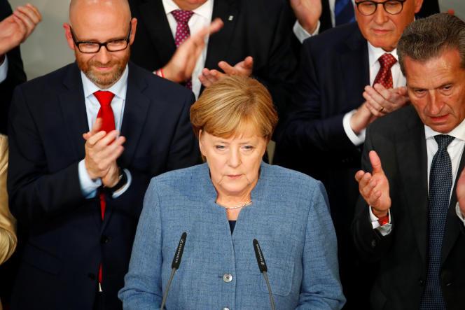 Angela Merkel entourée de ses ministres, le 24 septembre à Berlin.