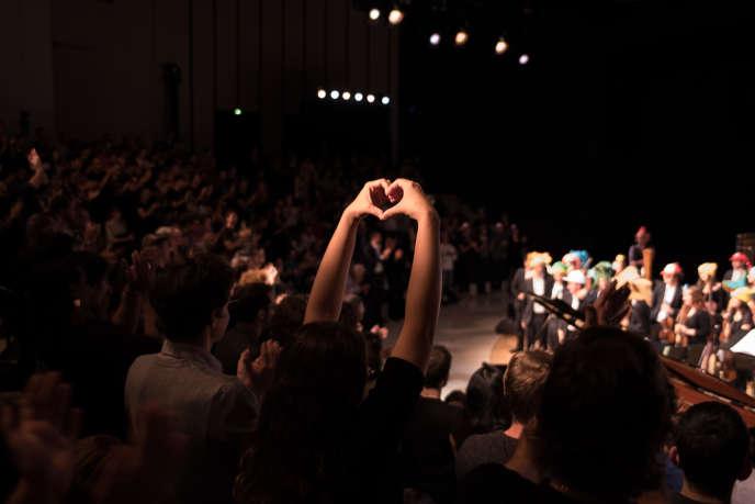Concert symphonique de l'orchestre Pixelophonia dans l'amphiteatre de l'opéra Bastille lors de la soiree d ouverture du Festival du Monde, vendredi 22 septembre.