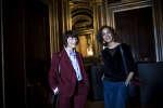 Catherine Millet et Leïla Slimani dans les coulisses avant la conférence «La littérature, une révolte au féminin ?» à l'Opéra Garnier, à Paris, le 24 septembre 2017.