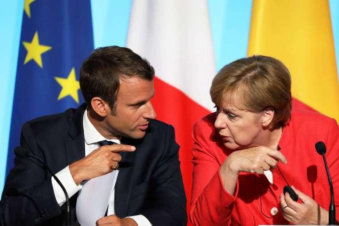 Emmanuel Macron et la chancelière allemande Angela Merkel au palais de l'Elysée, en août 2017.