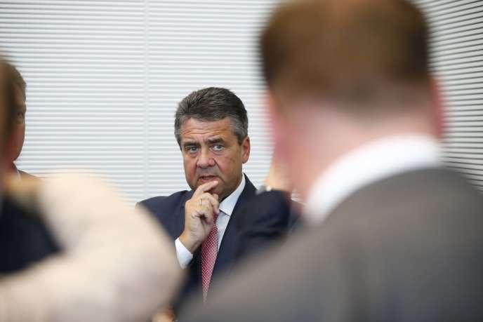 Le ministre allemand des affaires étrangères (SPD), Sigmar Gabriel, à Berlin, le 26 septembre.