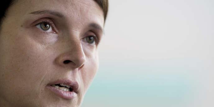 Frauke Petry, coprésidente de l'AfD,a annoncé lors d'une conférence de presse à Dresde (Saxe), mardi 26 septembre, qu'elle allait quitter le parti.
